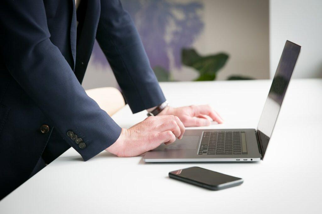 La gestion électronique des documents permet le télétravail